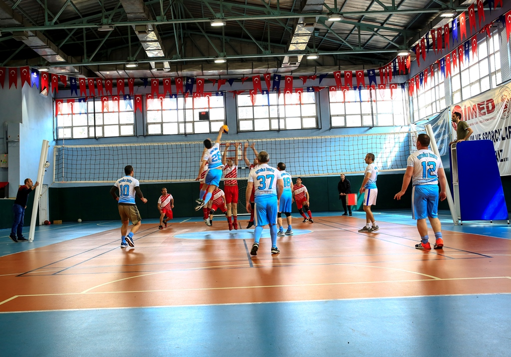 Avrupa Yakası İtfaiye Müdürlüğü 2019 Yılı Spor Turnuvalarında kupalar sahiplerini buldu - Haberler - İstanbul İtfaiyesi