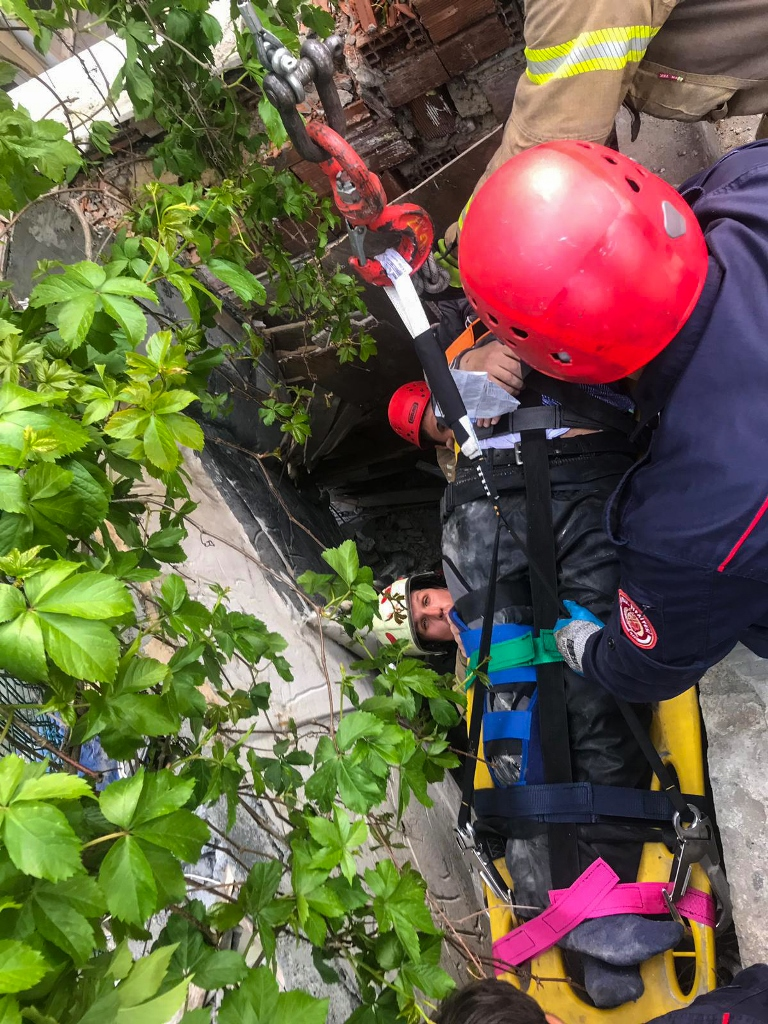 Halkalıda insan kurtarma - Haberler - İstanbul İtfaiyesi