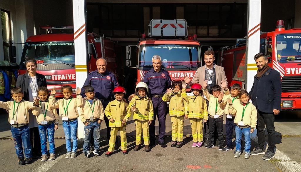 Şırnaktan gelen minik ziyaretçilerimizi ağırladık - Haberler - İstanbul İtfaiyesi