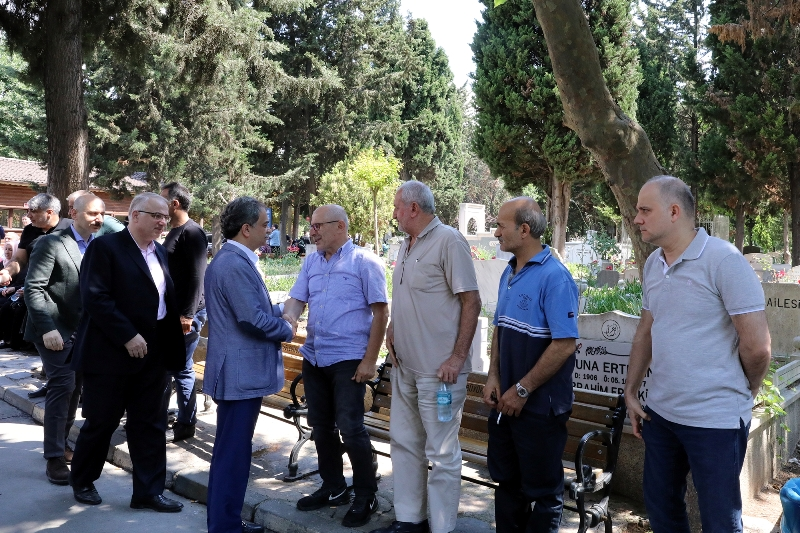 Hayri Baraçlı görev başındaki çalışanlarla bayramlaştı - Haberler - İstanbul İtfaiyesi