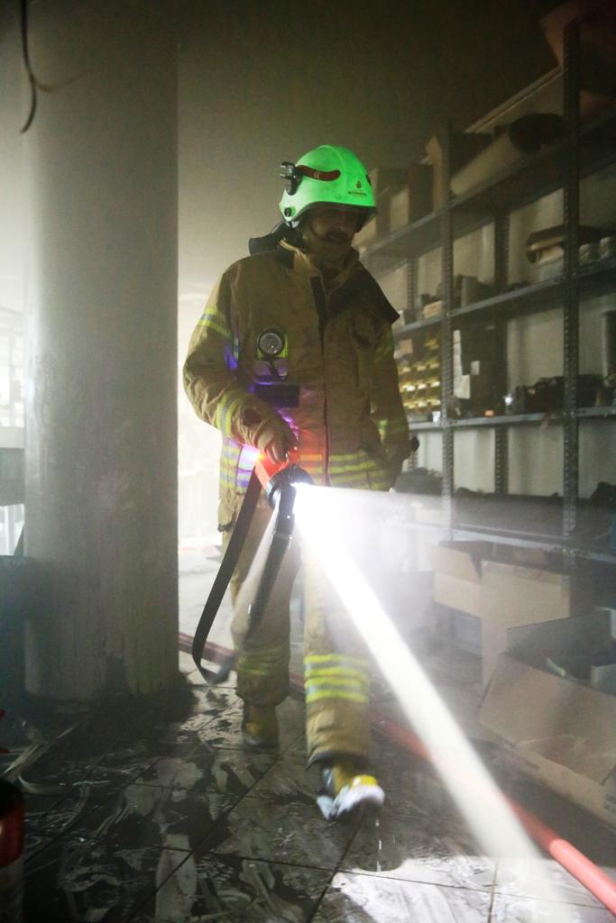 Zeytinburnuda iş yeri yangını - Haberler - İstanbul İtfaiyesi