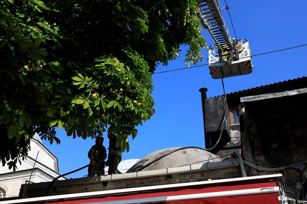 Chimney fire in Sultanahmet - News - Istanbul Fire Department