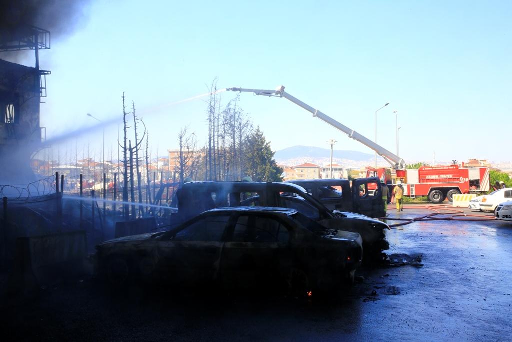 Tuzladaki fabrika yangını kontrol altına alındı - Haberler - İstanbul İtfaiyesi