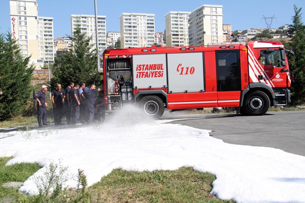 İstanbul itfaiyesi eğitimlerine devam ediyor - Haberler - İstanbul İtfaiyesi