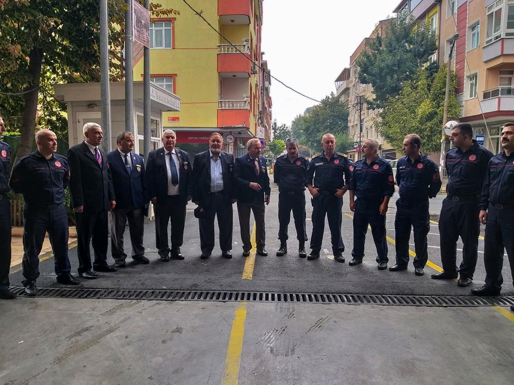 Türkiye Muharip Gaziler Derneğinden İtfaiyeye ziyaret - Haberler - İstanbul İtfaiyesi