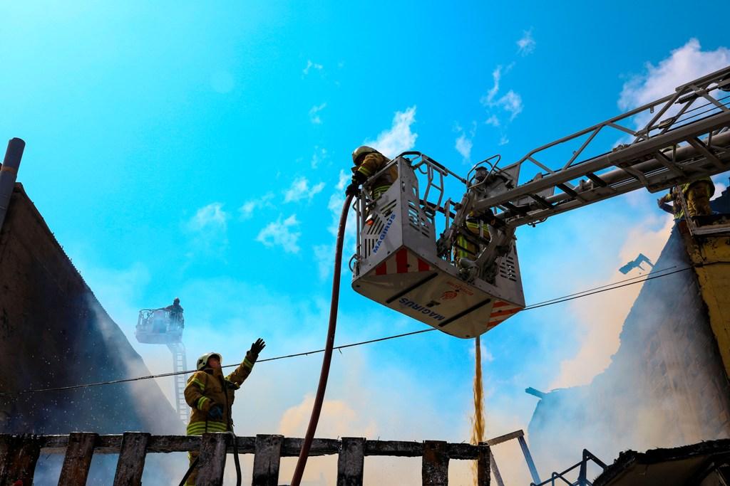 Sultangazide işyeri yangını - Haberler - İstanbul İtfaiyesi