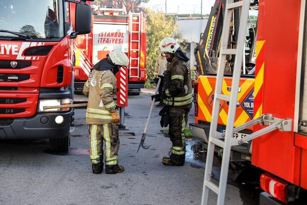 Eyüpsultanda fabrika yangını - Haberler - İstanbul İtfaiyesi