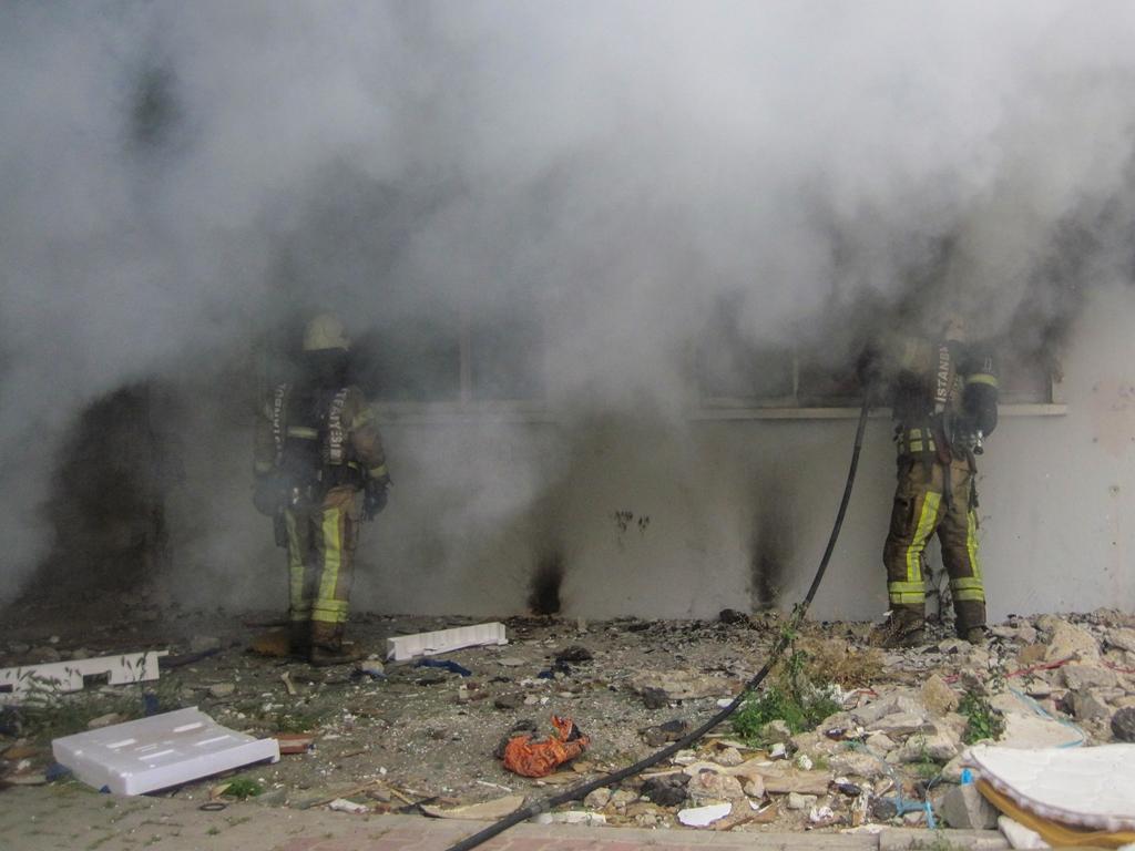 Kartalda metruk bina yangını - Haberler - İstanbul İtfaiyesi