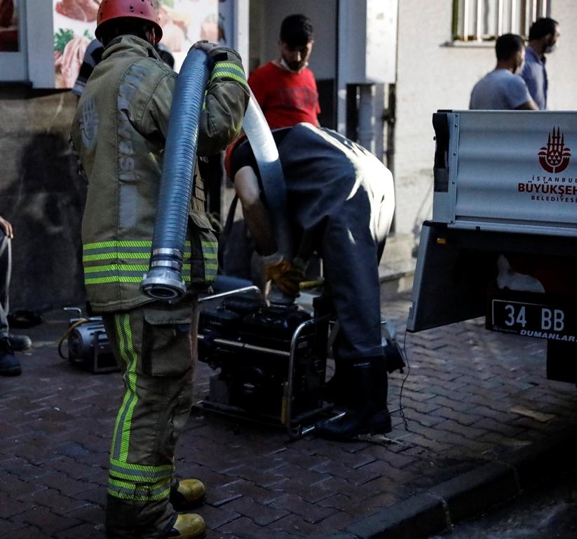 Esenyurtta su baskını - Haberler - İstanbul İtfaiyesi