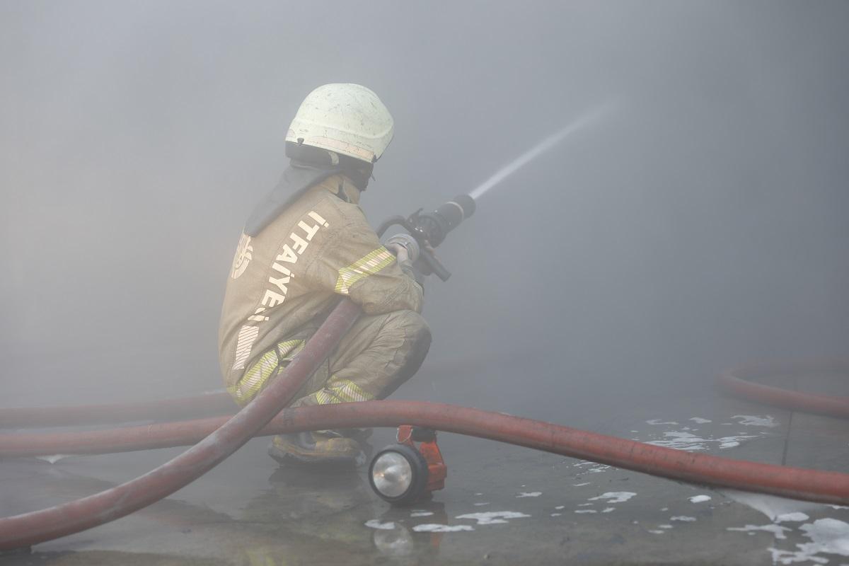 Başakşehirde fabrika yangını - Haberler - İstanbul İtfaiyesi