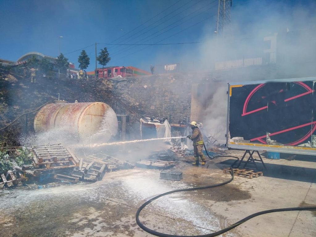 Esenyurtta ot yangını - Haberler - İstanbul İtfaiyesi