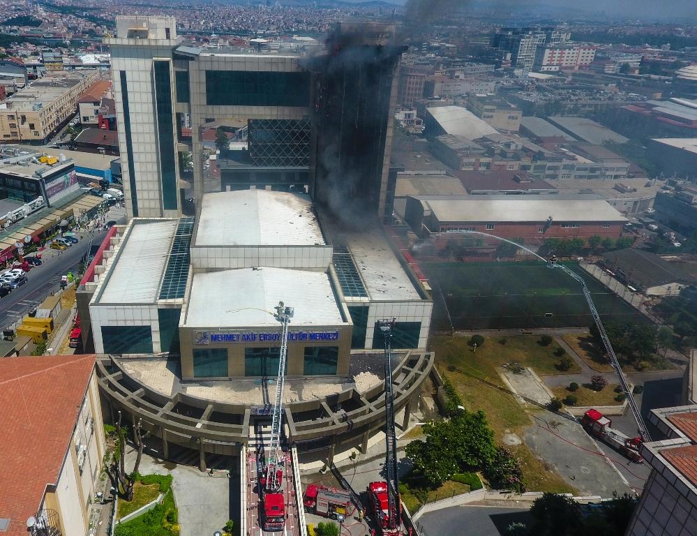 Bayrampaşada dış cephe yangını  - Haberler - İstanbul İtfaiyesi