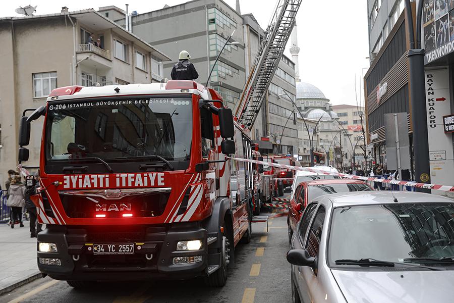 Kağıthanede otel yangını - Haberler - İstanbul İtfaiyesi