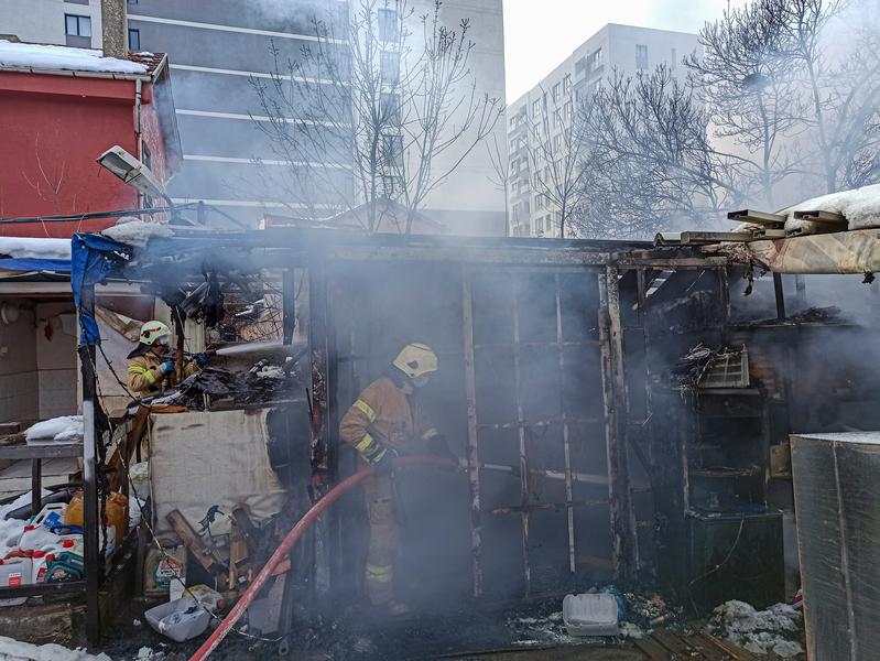 Sancaktepede depo yangını - Haberler - İstanbul İtfaiyesi