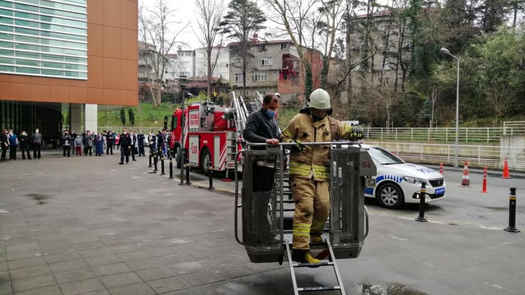 Yangın güvenlik eğitimi ve söndürme tatbikatlarımız devam ediyor - Haberler - İstanbul İtfaiyesi