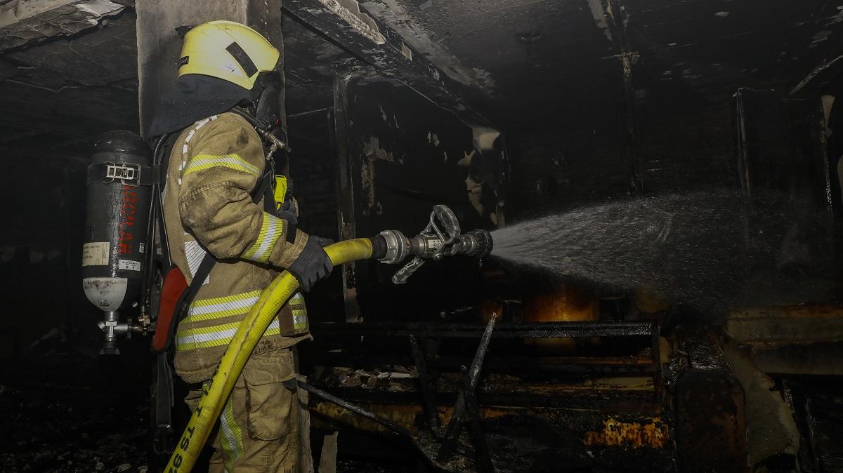 Esenlerde iş yeri yangını - Haberler - İstanbul İtfaiyesi